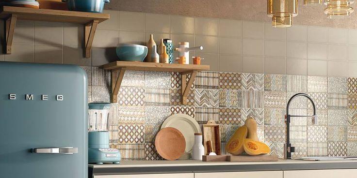 Med KIKO, dette koselige og meget moderne kjøkkenet fra Cooperativa Ceramica d'Imola ønsker vi alle Buon fine settimana! Det er italiensk og betyr God helg ;-) Les mer om KIKO her https://goo.gl/Kp18DR #norfloor