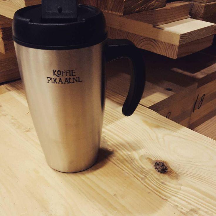 Bijna weekend. Ook op bevrijdingsdag zijn  onze jongens druk bezig. Verbouwen is geen grap. Maar zij verdienen natuurlijk ook een koffiepauze.  Bedankt voor jullie geduld tijdens onze renovatie.  #renovatie #druk #bijnaweekend #bevrijdingsdag #verbouwen #maareerstkoffie #coffeeshots #coffeetime #koffiepauze #coffeebreak #renovation #construction