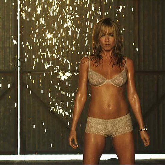 Dare to Bare: How Jennifer Aniston Got Into Shape For We're the Millers- #celebcrush #dreambody