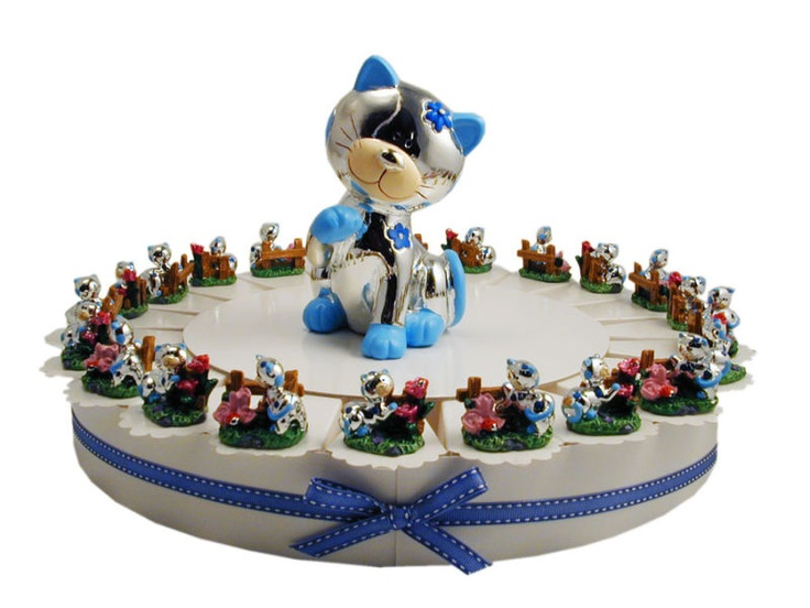 Torta bomboniera da 22 fette con dei gatti che giocano...