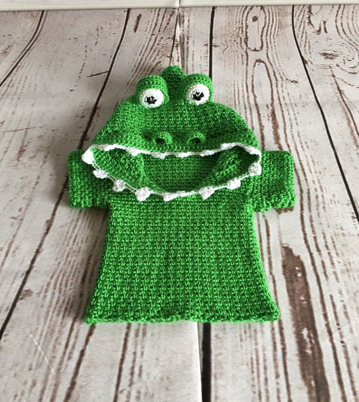 Costume Baby - Halloween Costume - Alligator Costume - Costume - Baby Sweater - Cosplay - Baby Photo Prop - Alligator Sweater - Baby Hoodie by StephsFamilyStitches on Etsy https://www.etsy.com/ca/listing/548061598/costume-baby-halloween-costume-alligator