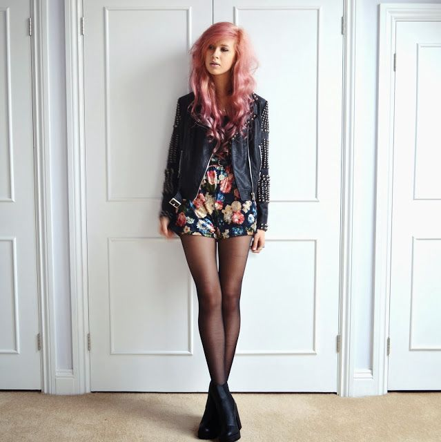 BLOGGER LOVE: Amy Valentine in our 'Coffey' velvet playsuit See the item:http://www.ark.co.uk/item/hearts-and-bows/playsuit/hearts-and-bows-floral-coffey-velvet-long-sleeved-playsuit/TWJ Read more:http://www.amyvalentine.co.uk/2013/12/were-hiding-from-world.html #velvet #playsuit #styling #amyvalentine #blogger #bloggers #lookbook #ootd