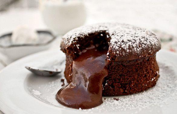 Une recette de fondant au chocolat qui nécessite trois ingrédients, ni plus, ni moins ? C'est possible !