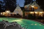 Napa Valley, Ca, The Candlelight Inn bed and breakfast on the banks of the Napa Creek.
