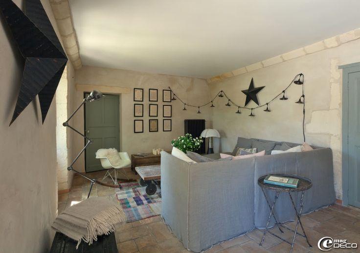 dans un vieux mas proven al sol en parefeuilles et canap 39 gervasoni 39 adresses sympas. Black Bedroom Furniture Sets. Home Design Ideas