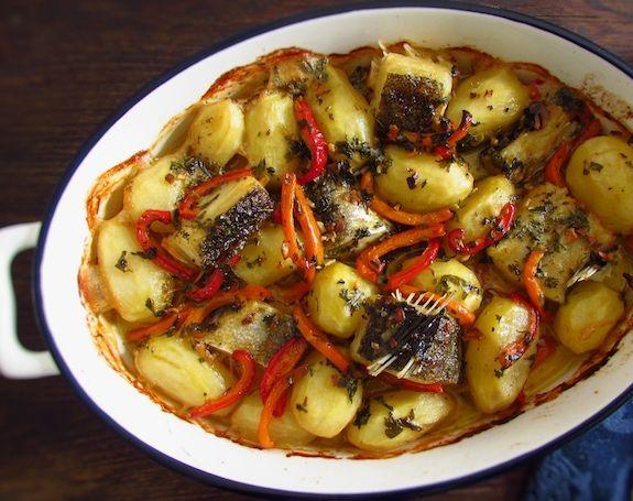 Bacalhau no forno regado com azeite | Food From Portugal