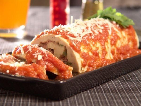 O Rocambole de Batata Recheado é um excelente acompanhamento para as suas refeições. Basta um arroz fresquinho e uma saladinha e você agradará a todos os s