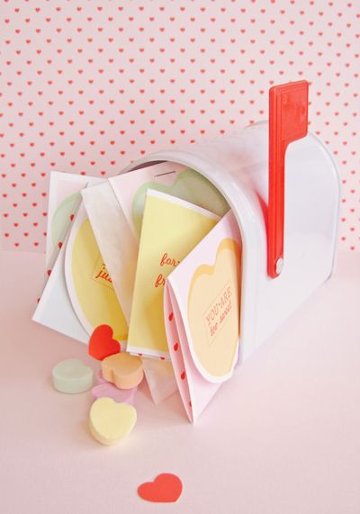 Free Printable-Vintage Valentine #Craft Pack (With Tons Of Cute Stuff)
