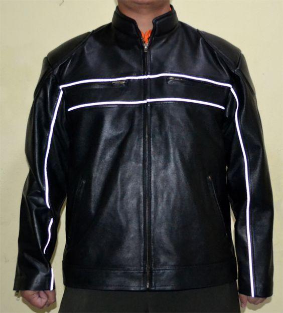 Jaket Kulit Polisi – Polisi merupakan penegak hukum yang memiliki tugas yang berat, pada umumnya polisi menggunakan jaket kulit dengan tulisan polisi di belakang.