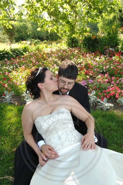 Bride and Groom Formals at Experimental Farm in Ottawa, Ontario