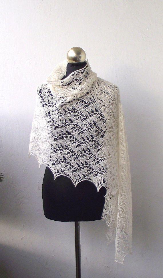 Châle de dentelle crème étole de dentelle tricoté par DagnyKnit