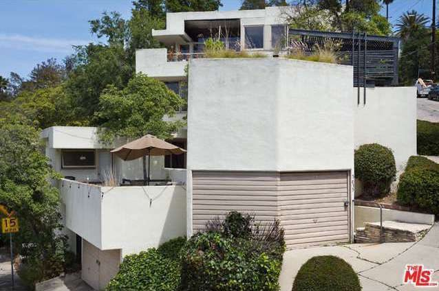 Schindler's Falk Apartments in Silver Lake Hits the Market For the First Time in 50 Years - Curbed LA 3631 carnation avenue silver lake