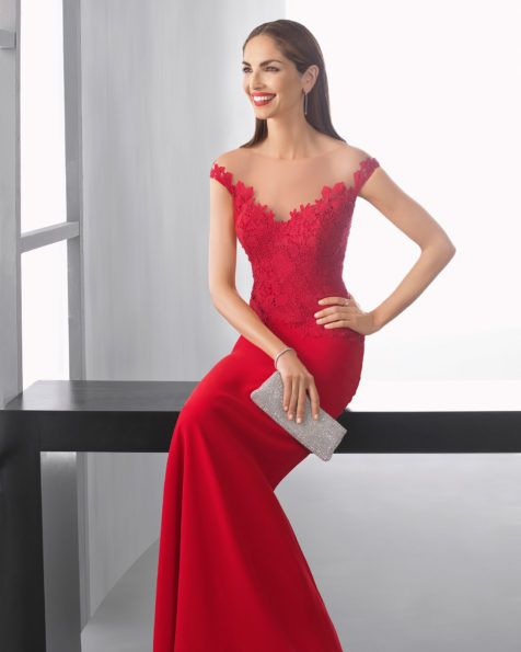 Vestido largo silueta con cuerpo de guipour mate de algodón y falda de georgette, con escote corazón complementado con chal, en color rojo, agua, plata, marino, azul y cobalto.