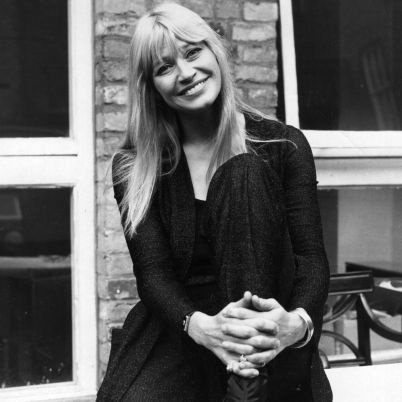 Mary Travers Biography - Facts, Birthday, Life Story - Biography.com