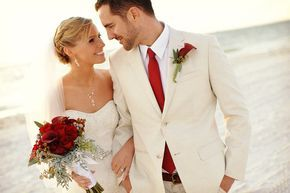 Traje de novio para boda en la playa #bodas #ElBlogdeMaríaJosé #Trajenovio #Bodaplaya