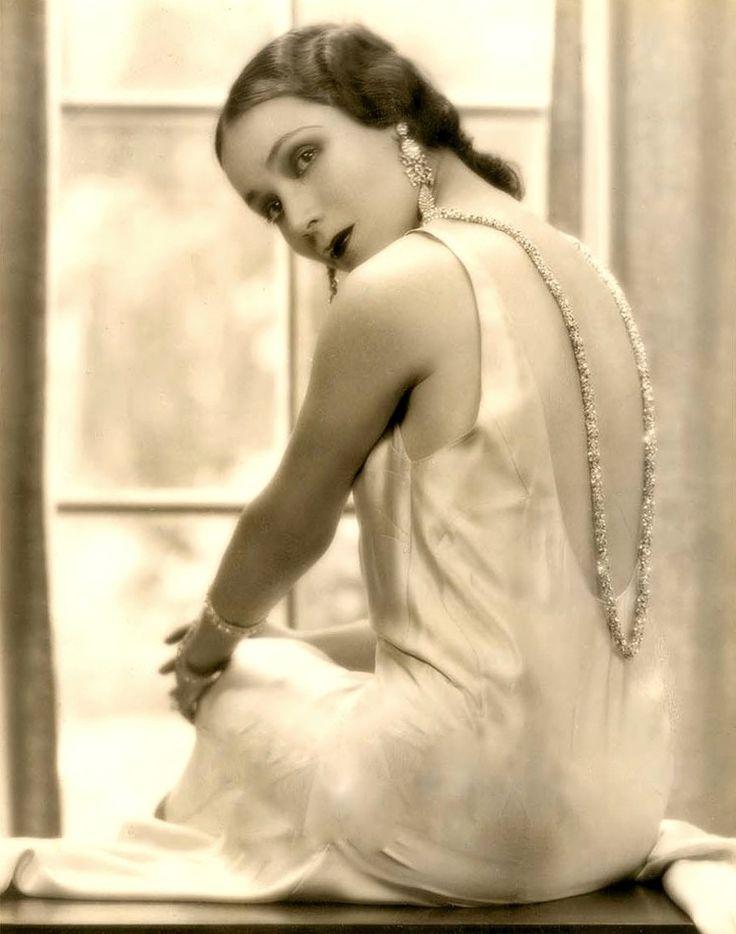 "sparklejamesysparkle: "" Dolores del Río by Fredric Lewis, 1930. """