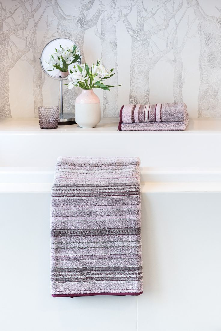 Mit den neuen Möve Handtüchern Edinburgh ein Badezimmer im British Chic einrichten // Jetzt die Handtücher im ATALA Blog kennenlernen