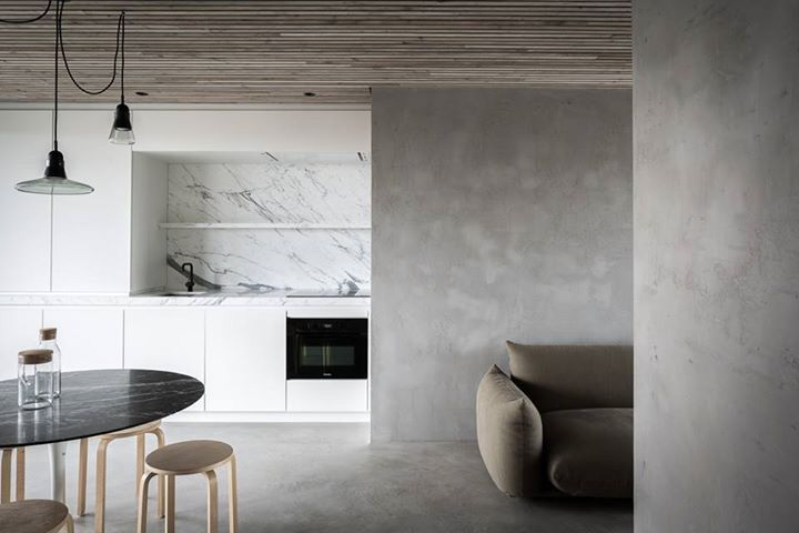 Natural lime plaster floor and walls by Odilon Creations