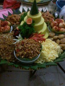 Catering tumpeng 085692092435: 0811-8888-516 Jual Nasi Tumpeng Di Jakarta Utara
