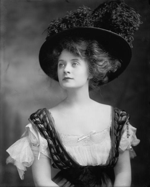 Beautiful Women of the Edwardian Era (10 Photos) - Old Photo Archive - Vintage Photos and Historical Photos