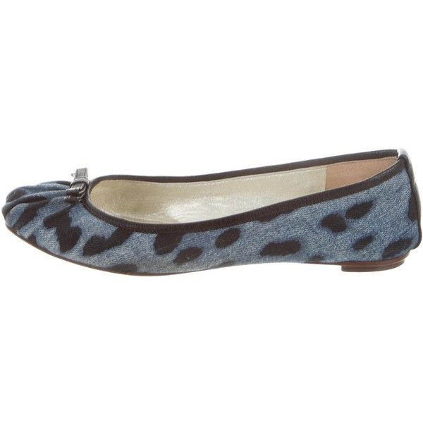 Pre-owned Dolce & Gabbana Denim Leopard Print Flats (400 PEN) ❤ liked on Polyvore featuring shoes, flats, animal print, square-toe ballet flats, leopard print shoes, leopard print flats, blue flats and denim flats
