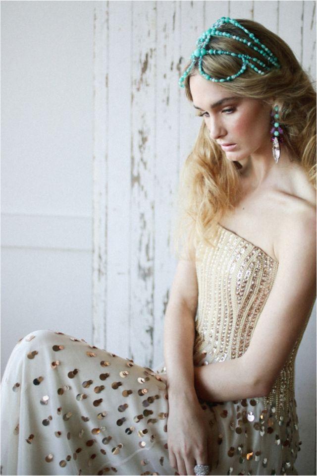 Indie wedding inspiration | Lara Hotz Photography for Hitched Magazine | http://burnettsboards.com/2013/11/birds-paradise-indie-wedding-inspiration/