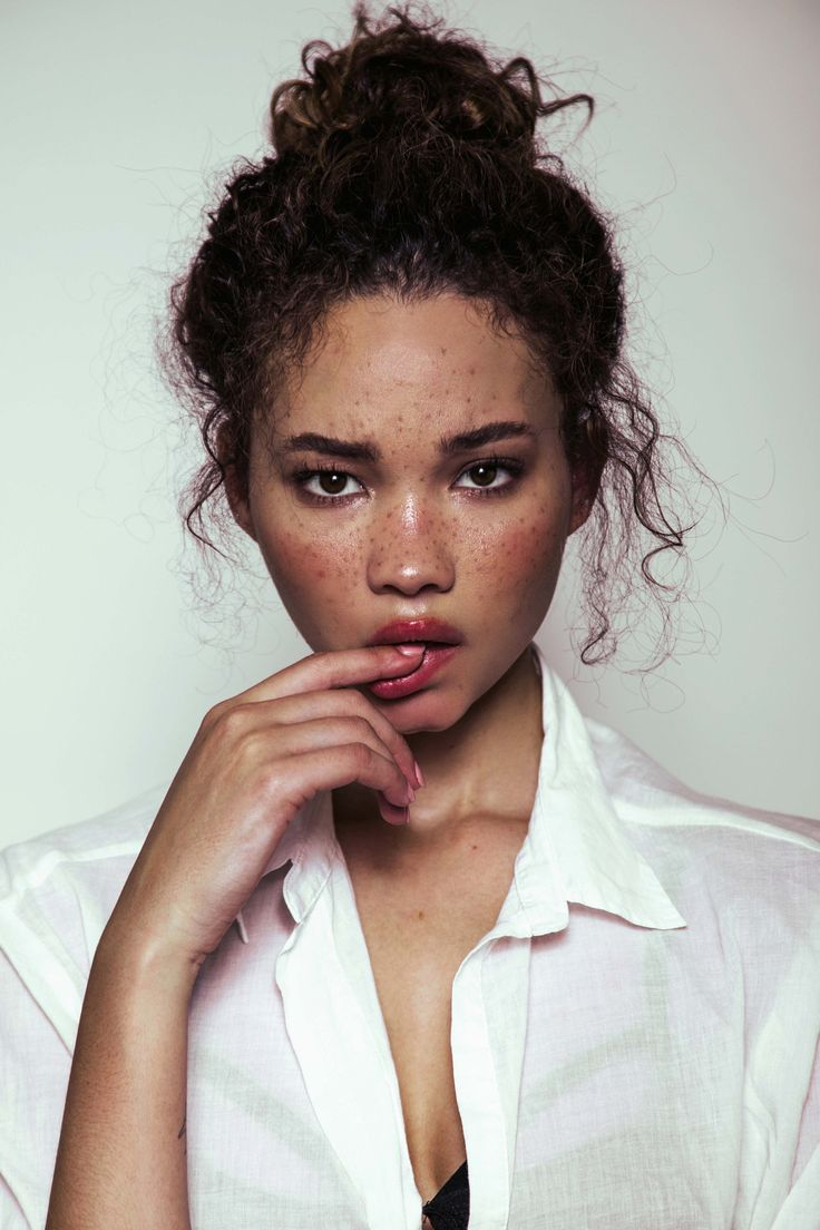 Ashley Moore photo by Aris Jeromewww.arisjerome.tumblr.com