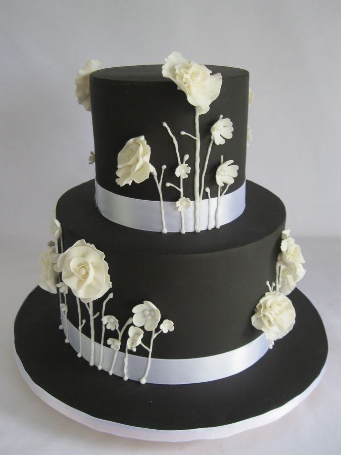 Black And White Wildflowers I Made This Cake For My Mother In Law For Her Birthday It Is Adapted From A Kimberly S Cakes Cake