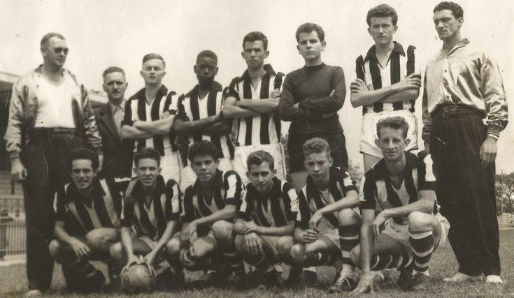 Matando no Peito, com Zé Airton - 11/03/2017 -   =RECORDANDO – ESCOLA SENAC -1955=    Na década dos anos 50/60 do século passado era de praxe os estabelecimentos de ensino de nossa cidade manterem entre seus alunos uma equipe de futebol para os representar nos jogos estudantis e competições até de nível nacional...  Assim não foi - http://acontecebotucatu.com.br/colunistas/ze-airton/matando-no-peito-com-ze-airton-11032017/