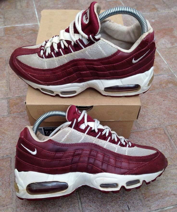 nike air max burgundy and white nails