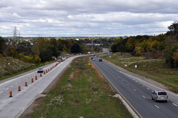The Highbury Avenue expressway seen from the Commissioners Road overpass, looking north.