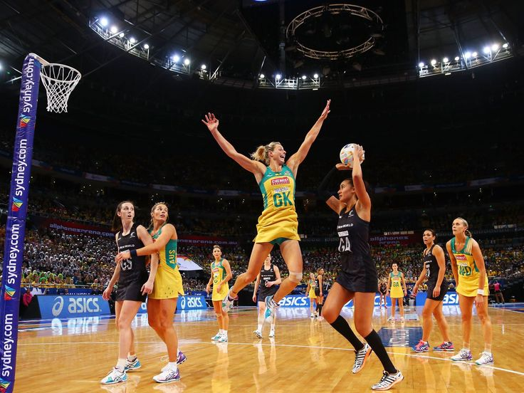 One of my all time favourite sports photos. I'm obessed with Maria Tutaia and Laura Geitz is a machine!