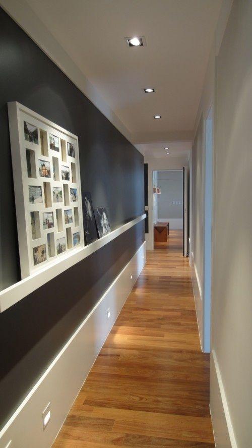 Blanco y de madera: Ideas para aprovechar mejor un pasillo