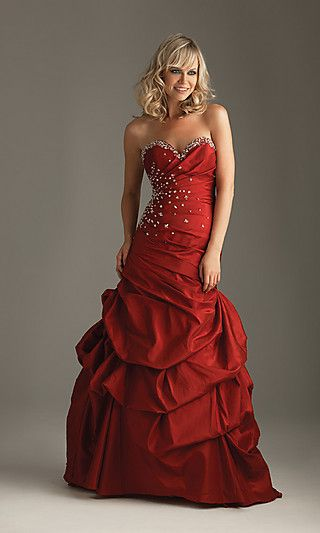 red wedding dresses are becoming more popular, especially for christmas or valentine's weddingsChristmas Parties, Long Dresses, Wedding Dressses, Evening Dresses, Homecoming Dresses, Ball Gowns, Formal Dresses, Prom Dresses, Red Wedding