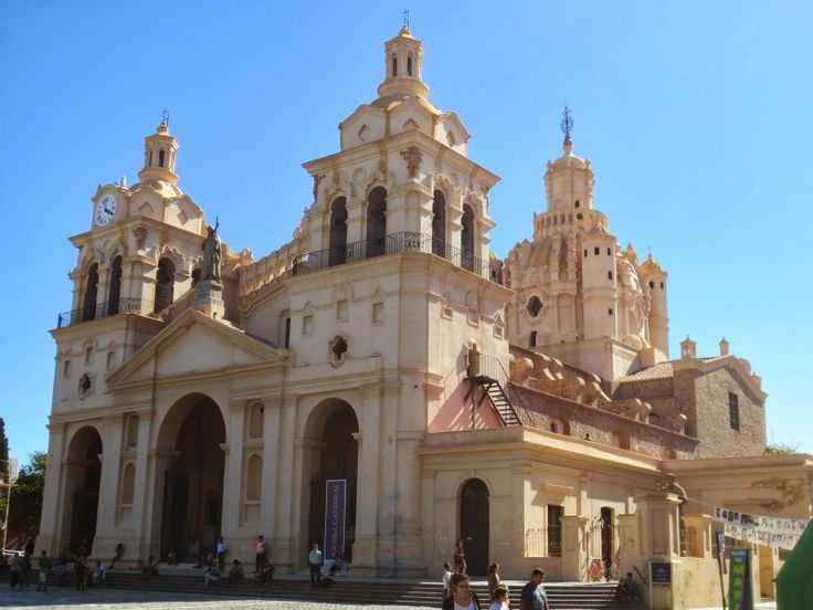 The Travelling Lindfields: Cordoba - things always look better in the morning...