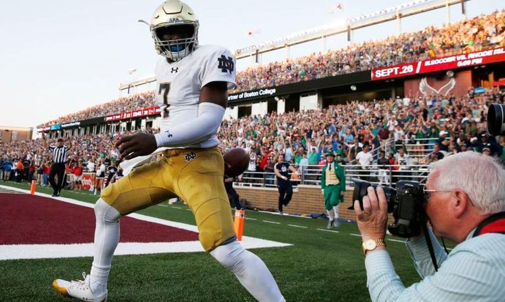 3 Notre Dame storylines to watch at Michigan State = Here are three keys to watch as Notre Dame (2-1) plays its second straight road game before a rabid crowd Saturday at historic rival Michigan State (2-0). (Irish and Spartans players from.....