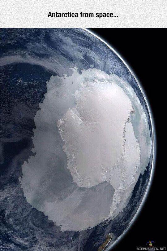 Etelämanner avaruudesta käsin