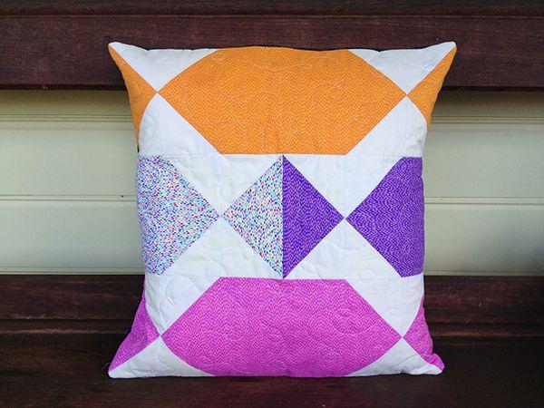 Bon Bon Cushion Sewing Pattern (FREE) & 14 best Cushions \u0026 Pillows   sewing patterns images on Pinterest ... pillowsntoast.com