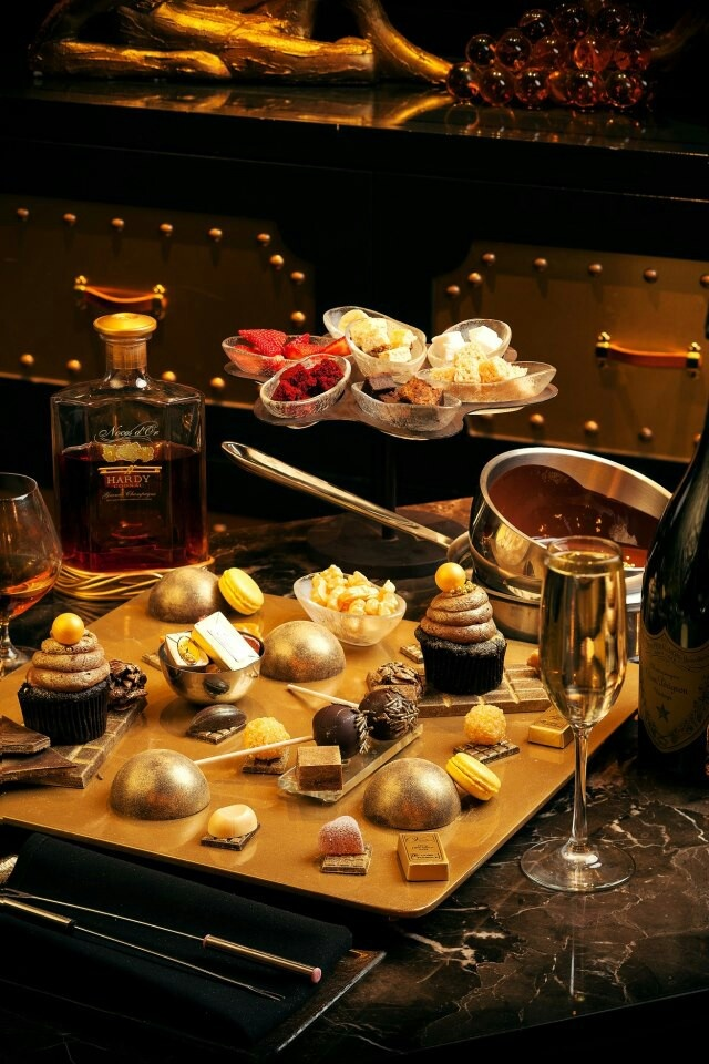 1000 dessert platter at sugar factory in nyc dessert for Table 52 dessert