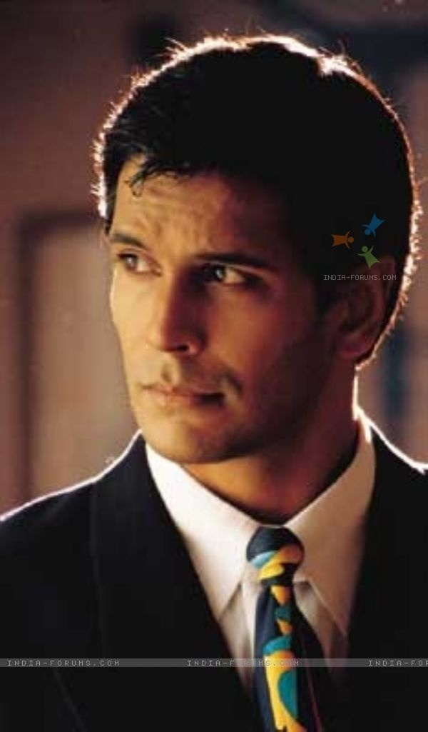 <3 Milind Soman <3 This man is almost 50 and he is still smokin' hot!