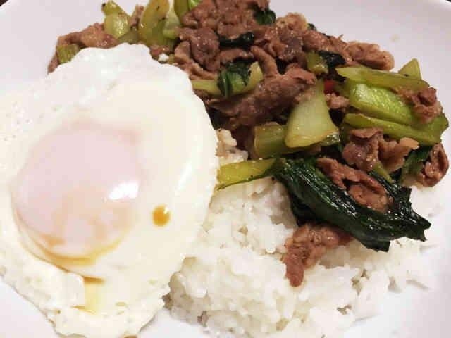 豚肉チンゲン菜の中華炒め丼ガパオライス風の画像
