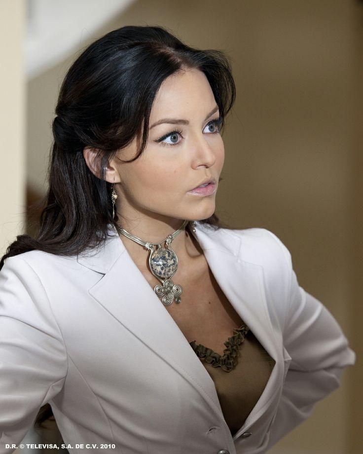 angelique boyer teresa makeup - photo #27