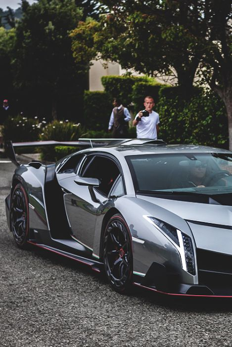 A VENENO ON THE STREET. Don't like the kind of chrome look on it... but still beautiful!
