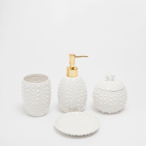 Image of the product MARINE RAISED CERAMIC BATHROOM SET