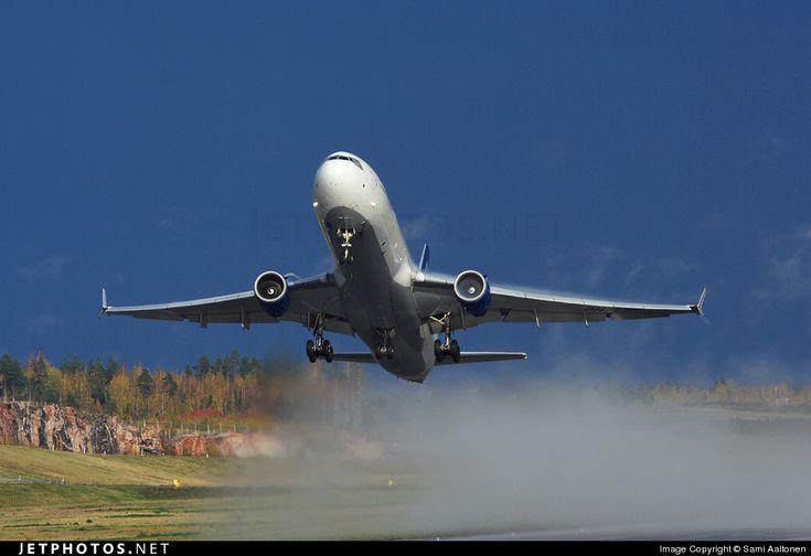 Finnair McDonnell-Douglas MD-11