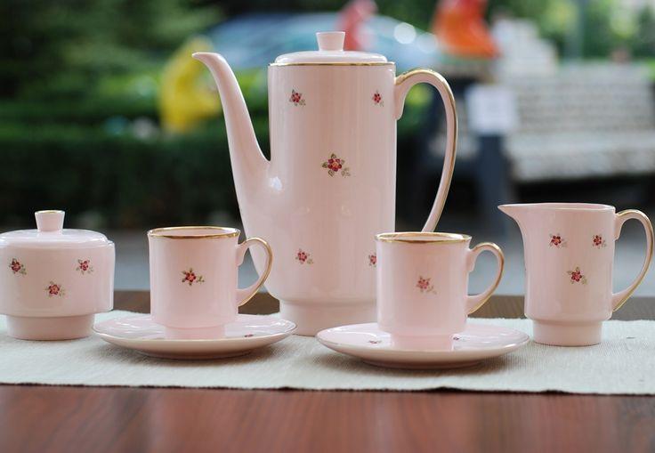 Serwis London wykonany z różowej porcelany