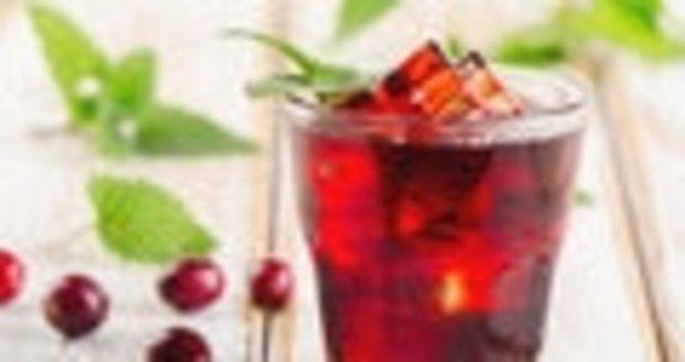 Клюквенный сок является здоровым.  И это большой плюс в этот день диеты.