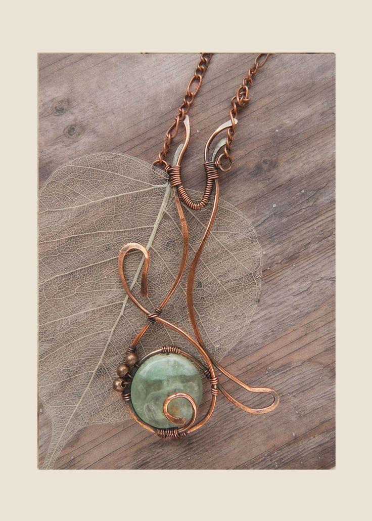 Kat silhouet hanger, Copper Wire kronkelende, eenvoudige vorm sieraden, natuurlijke semi Edelsteen ketting, Casual sieraden, dierlijke style, poes door Aviceya op Etsy https://www.etsy.com/nl/listing/277578004/kat-silhouet-hanger-copper-wire