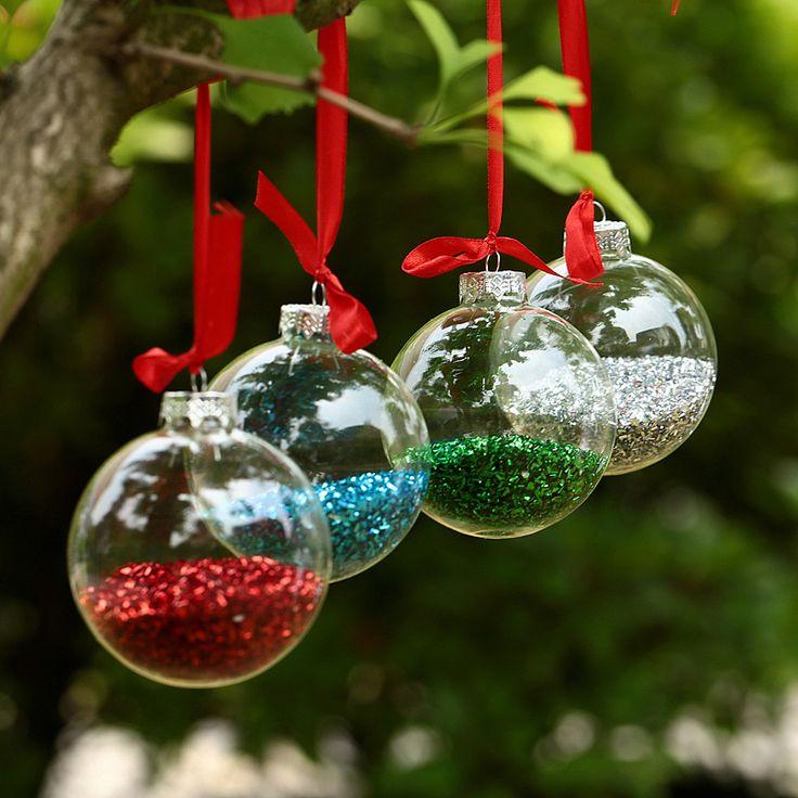 Entra en el pin para descubrir ideas para llenar de adornos de bolas de Navidad tu árbol. Estas bolas navideñas nos han fascinado. ¡Son muy originales! Para más pines como éste visita nuestro tablero. Espera!  > No te olvides de repinearlo para más tarde! #bolasdenavidad #navidad #bolas #adornosnavideños
