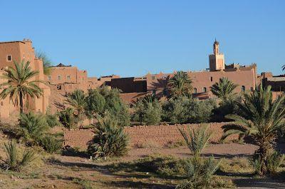 """Venha conhecer Ouarzazate, essa linda cidade do sul de Marrocos, apelidada popularmente de """"porta do deserto do Saara"""". #TurMundial #Marrocos #Marruecos #Ouarzazate #MontanhaAtlas #Saara #CidadeAntiga #Ksar #AitBenHaddou  http://www.turmundial.com/2016/07/ouarzazate.html"""